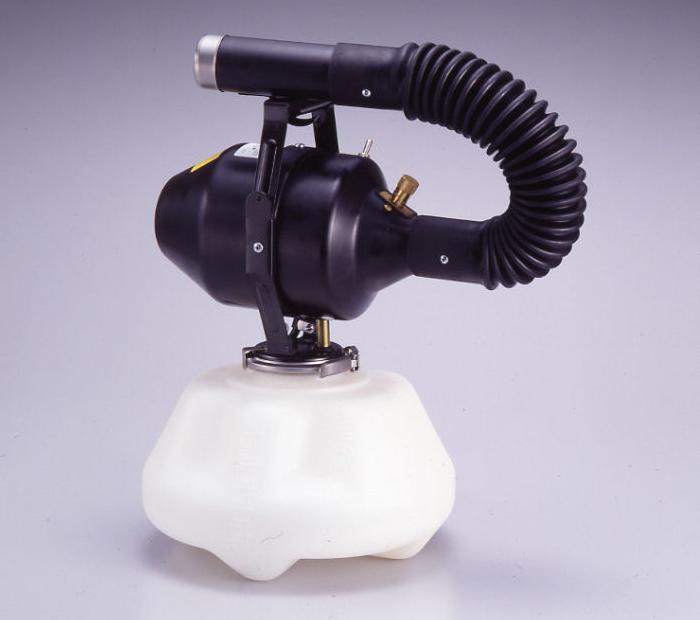 スーパーミスター3型 自由な角度で噴霧できる弾力性に富んだフレキシブルノズルが特長の高性能噴霧器です。あらゆる使用条件に耐える設計で、耐油・耐腐食性の高いポリプロピレン樹脂を採用しています。